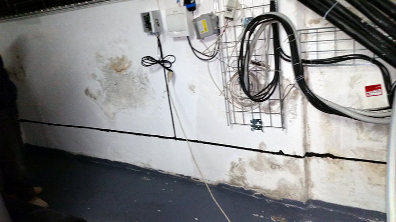 Riadiaca skrinka elektroosmózy AKIJ