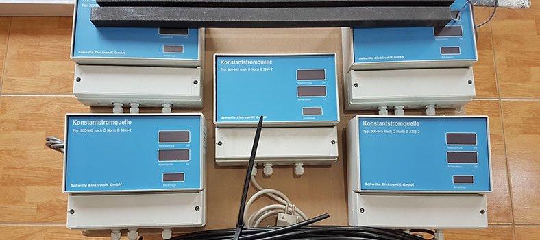 Elektroosmóza riadiaca jednotka, zemniaca tyč a kabeláž
